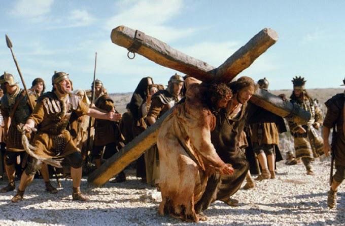 Nagypénteken Jézus kereszthalálára emlékeznek a keresztények