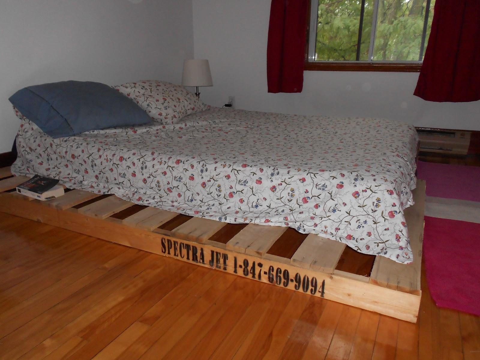 things trucs very nice des palettes dans le d cor. Black Bedroom Furniture Sets. Home Design Ideas