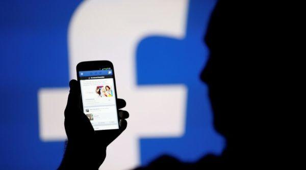 Personas que dedican más tiempo a Facebook son menos felices