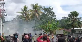 Kota Sorong Memanas! Bintang Kejora Sempat Berkibar, 4 Polisi Terluka