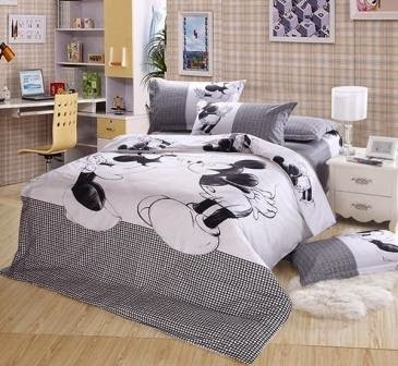 Bed cover dan sprei motif mickey mouse-2