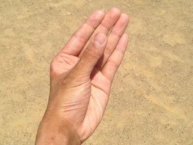 ماهي اسباب البقع البيضاء على الجلد؟