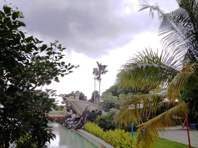sirens river ciputra waterpark surabaya