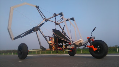 Singapore Engineering Students Take to the Skies with an Electric Paraglider Trike
