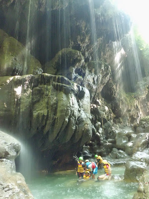Harga Paket Body Rafting Green Canyon dan Homestay Pantai Batu Karas