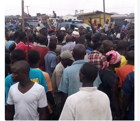 Red Alert! Panic in Mile 12 as Hausa Traders Clash with Locals (Photos)
