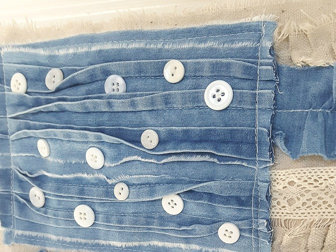 How to Make a Denim and Lace Fabric Scrap Flag