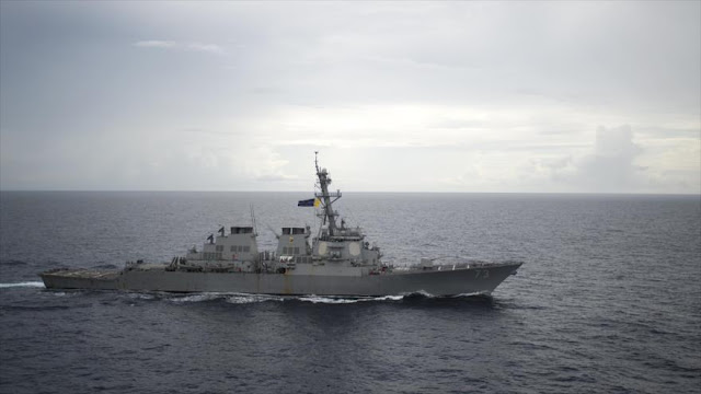 Un buque de guerra de EEUU cruza aguas reclamadas por China