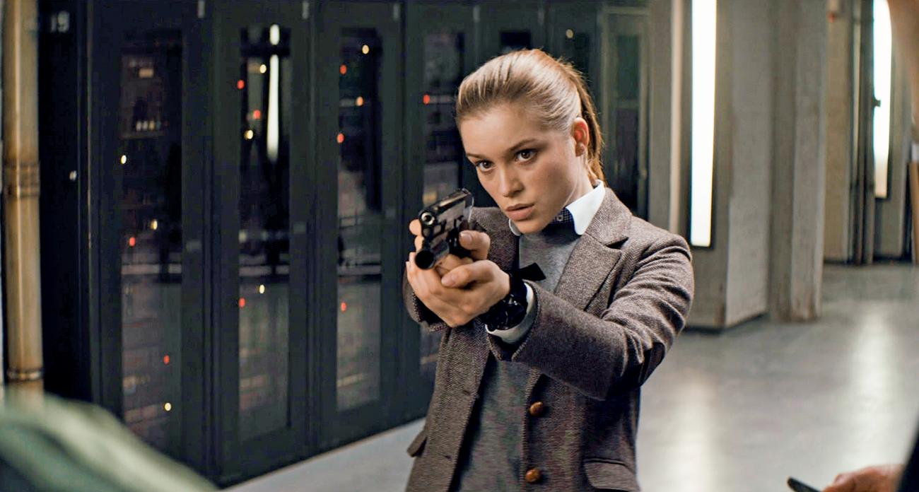 Sophie Cookson Picture 1: Kiss My Wonder Woman: Movie Reviews