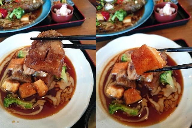 軟骨ソーキと揚げ豆腐の写真