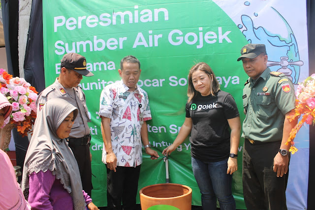 Kekeringan Landa Sragen : Komunitas Mitra Go Car Solo raya Buatkan Sumber Air Bersih Bagi Masyarakat Mondokan