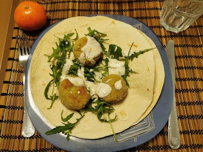 Falafel casero con rucula en tortitas