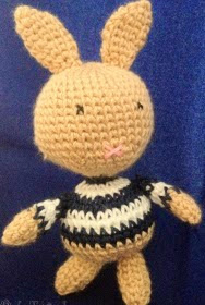 http://latejetienda.wordpress.com/2013/10/22/patron-amigurumi-little-rabbit/