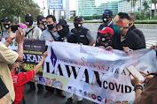 Dukung Pergub 41 Tahun 2020, FWJ Bagikan 1000 Masker di Bundaran HI