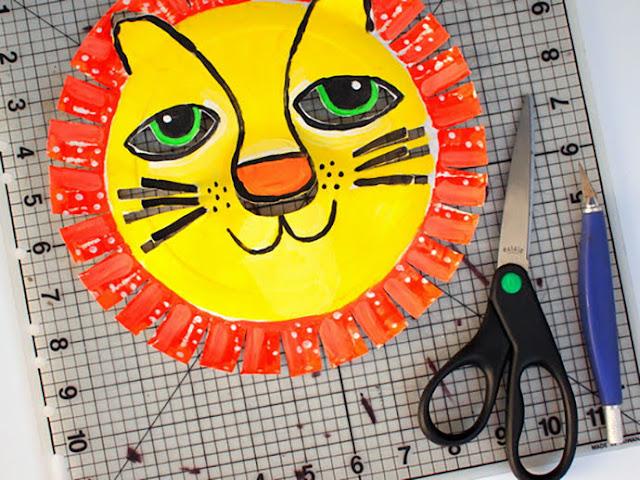 Langkah 3 Membuat Topeng Singa dari Piring Kertas