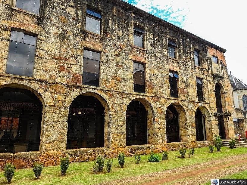 Prédio do antigo colégio do Caraça que pegou fogo em 1968