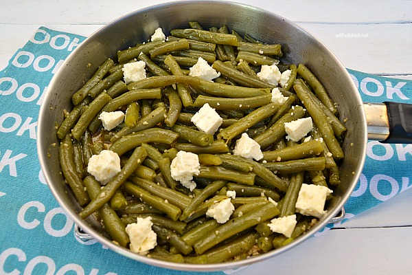 Easy Green Bean side dish especially for garlic lovers !