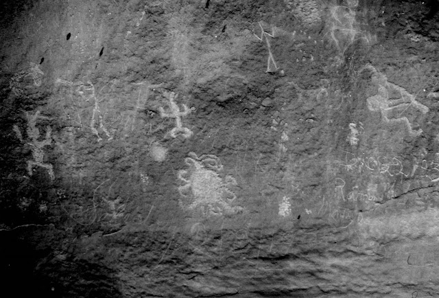 Chaco Canyon petroglyph may represent ancient total eclipse