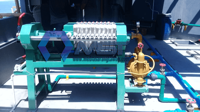 Menjual Industrial Filter Press, Filter Press adalah mesin/alat yang digunakan pada proses untuk memisahkan antara lumpur dengan air juga atau antara cairan dengan padatan. Misalnya seperti lumpur (sludge) dari proses air limbah untuk meminimalisir kandungan air untuk meringankan bobot/volume lumpur
