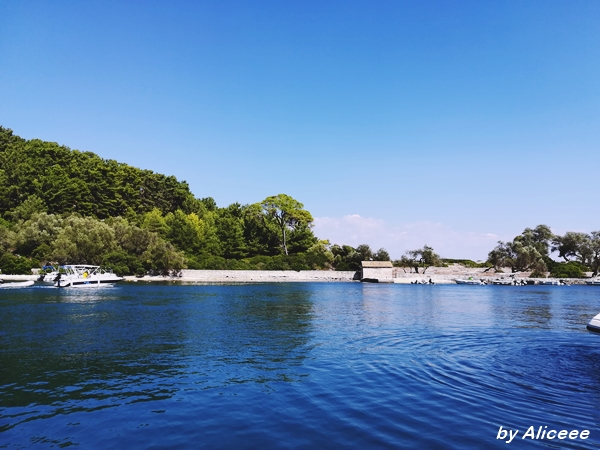 Insula-Paxos-verde-de-grecia