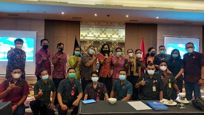 BNN Kota Denpasar, Santy Sastra Sampaikan Materi Public Speaking Kepada Kader Desa Peduli AIDS dan Narkoba (KDPAN)