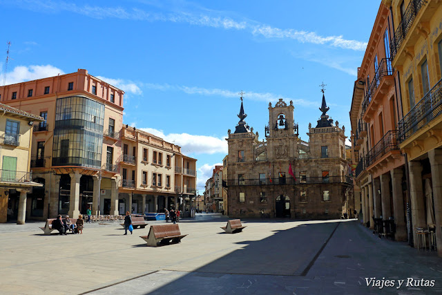 Plaza Mayor y Ayuntamiento de Astorga