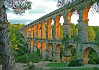 4. Les Ferreres Aqueduct