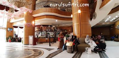 pengalaman menginap di hotel al olayan al khalil makkah ketika umroh review traveling nurul sufitri lifestyle blogger arab saudi