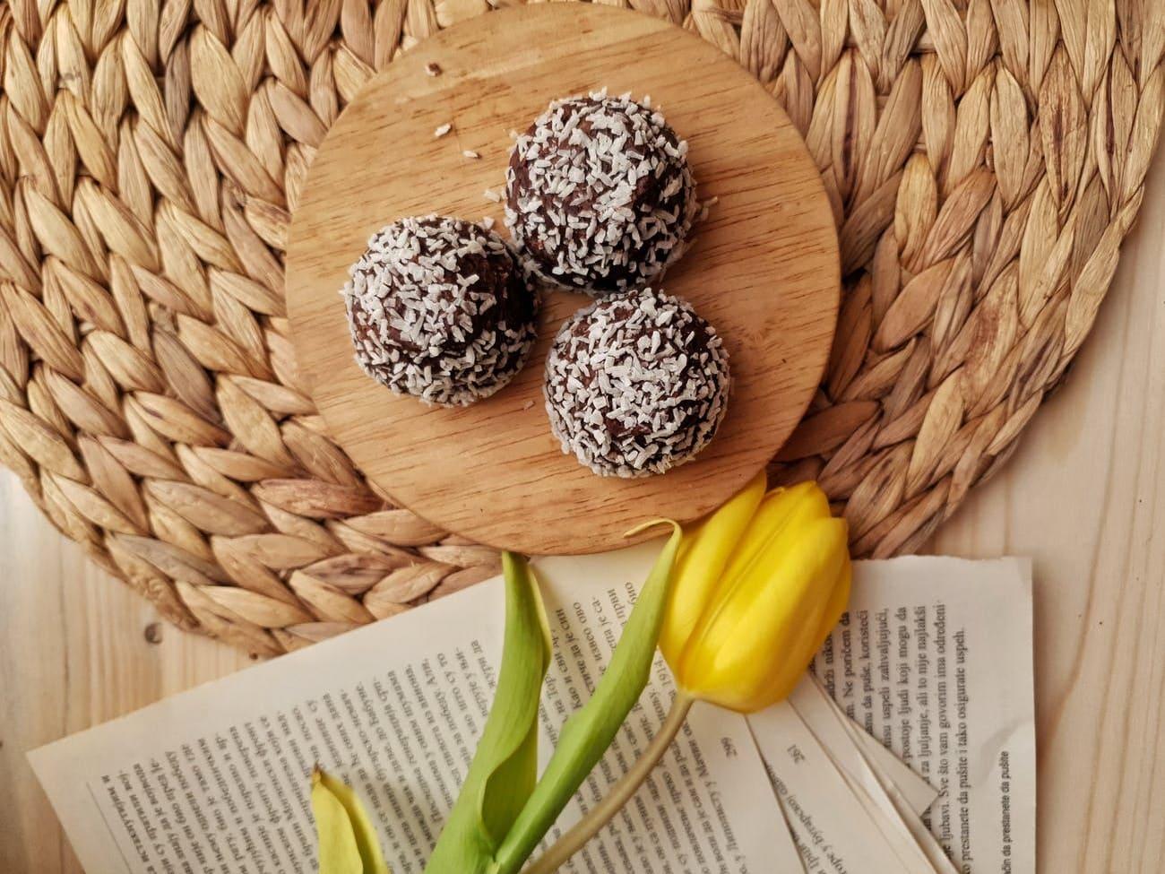 Method of action of banana and chocolate truffle
