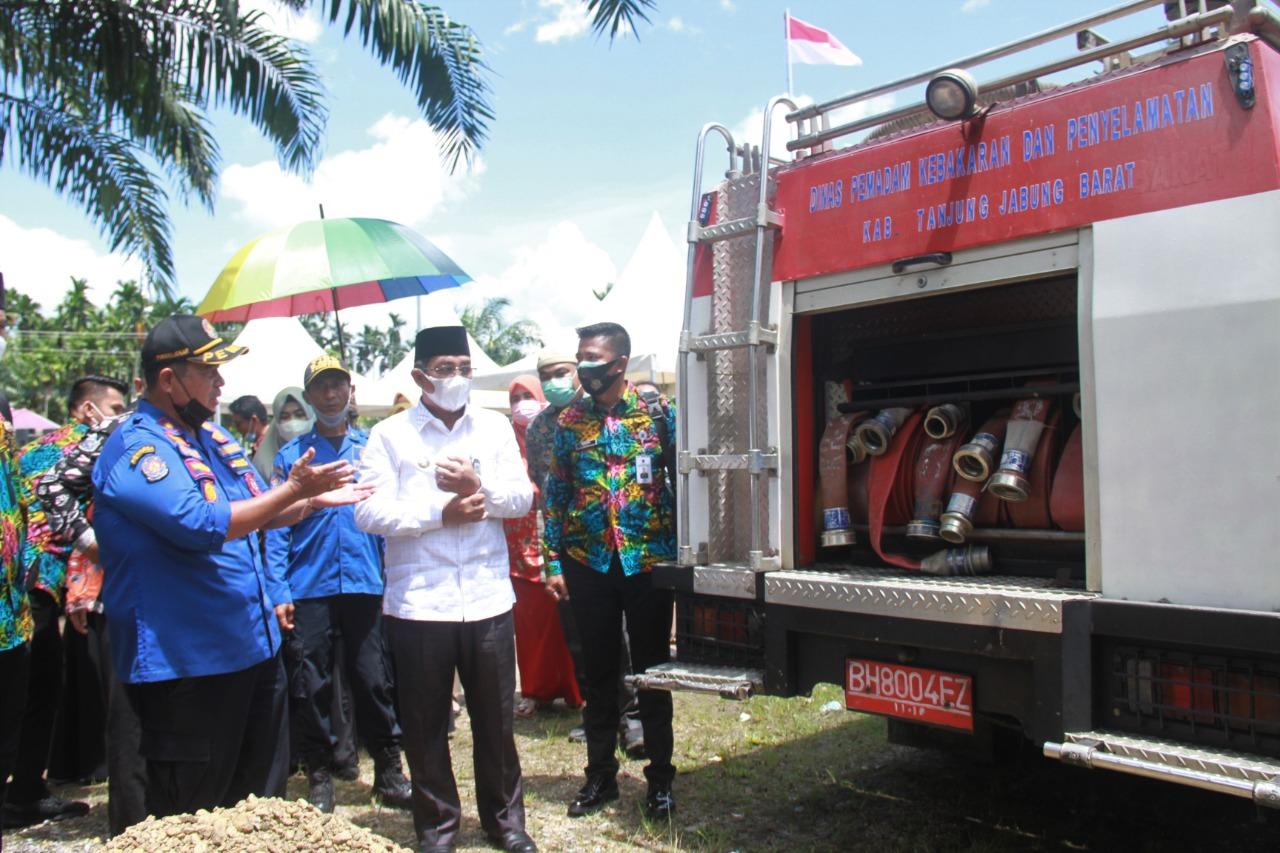 Bupati Tanjabbar Resmikan Pos Pemadam Kebakaran Dikelurahan Mekar Jaya