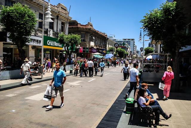 Compras na Calle Valparaíso em Viña del Mar
