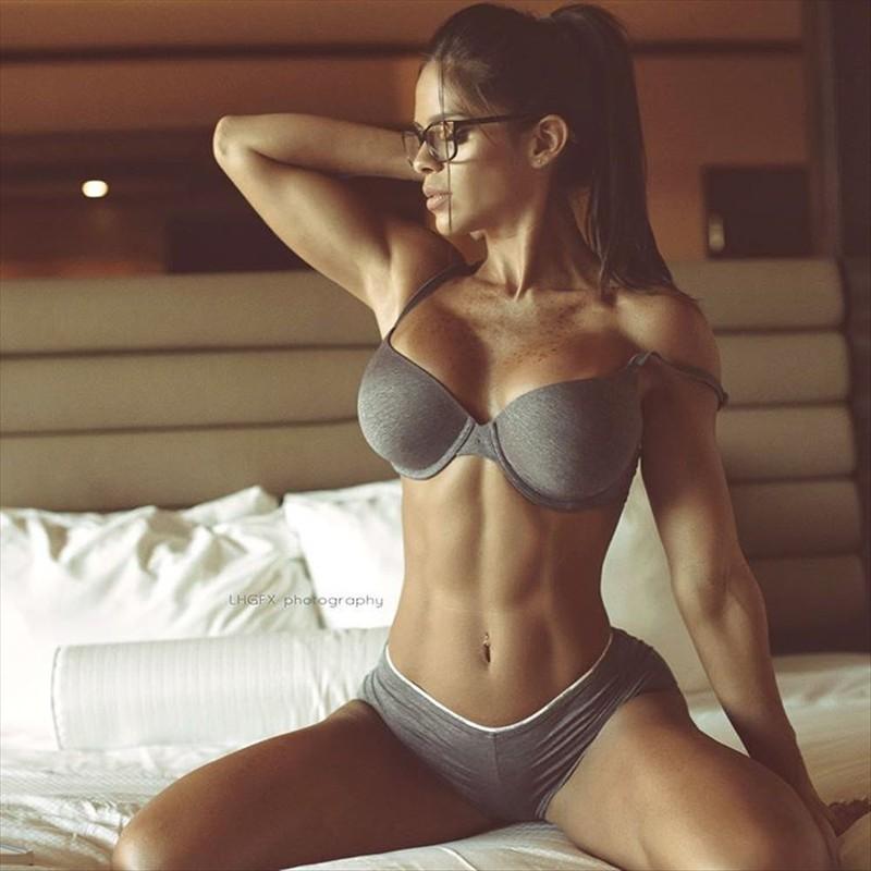 Beautiful Body female fitness models 02