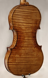 Copy of a Guarneri del Gesù Violin back plate by Nicolas Bonet Luthier - Fond d'un violon en copie de Guarneri del Gesù par Nicolas Bonet Luthier
