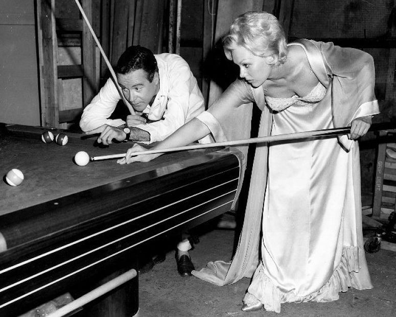 35 interesting b w photos of women playing billiards in for Pool show tv
