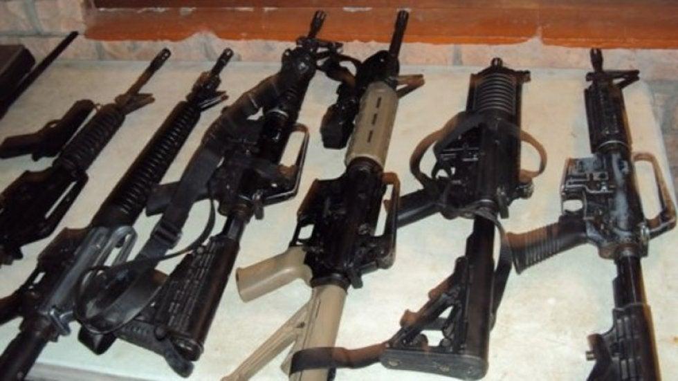 El 30% de armas decomisadas a los carteles son AK-47, Barret .50 y AR-15, rifles de asalto estadounidenses, rusos e iraníes...