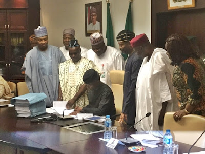 Osinbajo Signs the 2017 'Budget of Economic Recovery and Growth' (Photo)