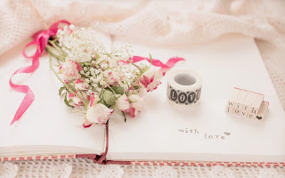 beautiful-pink-and-white-roses-image-with-love-text-for-girlfriend.jpg