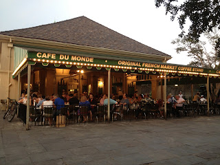 New Orleans French Quarter Cafe du Monde day