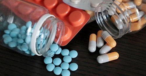 कोरोना काल में इन दवाओं को घर पर जरूर रखें, नंबर दो है बड़ी जरूरी