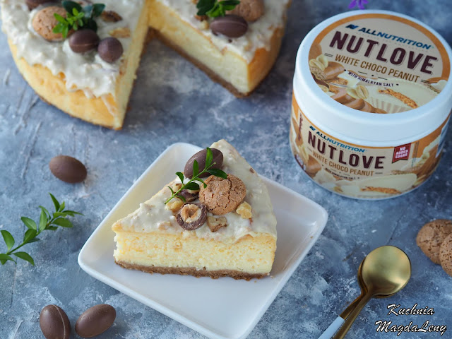Sernik z polewą NUTLOVE White Choco Peanut