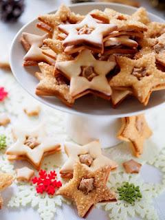gwiazdki, kajmak, krem kasztanowy, kasztany jadalne, gwiazdeczki, kruche ciastka przekladane