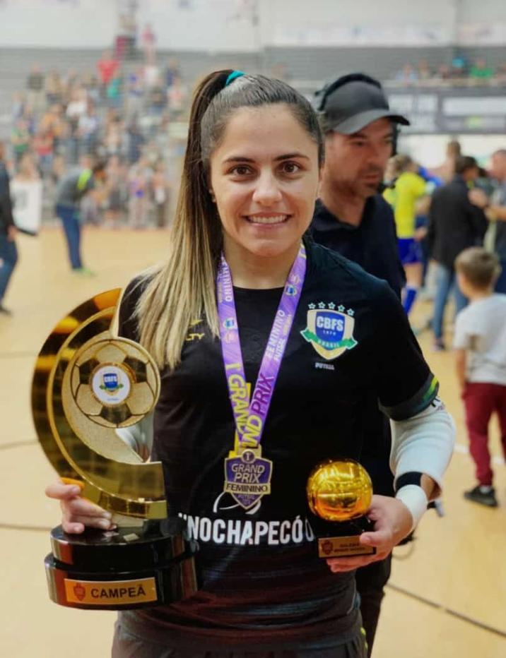Bom Dia Piedade: Regiane absoluta no gol na conquista do título do I Grand  Prix de Futsal Feminino