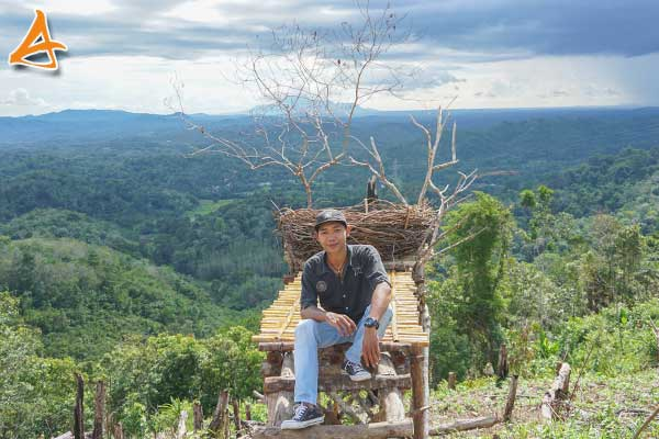 Bukit Rancutn Serukam Bengkayang