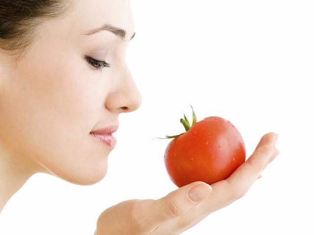 Buah tomat populer dengan kandungan lycopene Cegah Kerutan Dini dengan Tomat