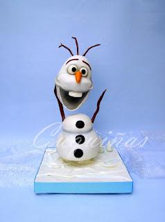 Tarta Olaf esculpida con estructura
