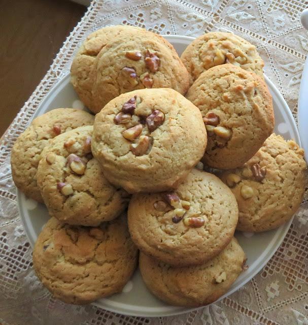 Buttery Maple Walnut Cookies