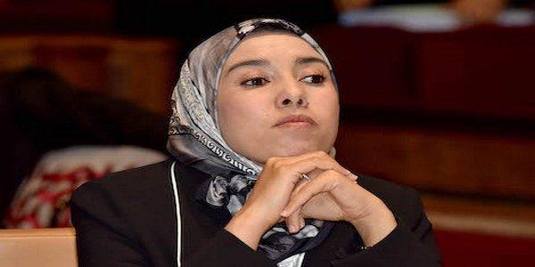 حصريا..برلمانية من البيجيدي لماء العينين : قرار نزع الحجاب لا يكون بوضعه في مكان والتخلص منه في مكان آخر