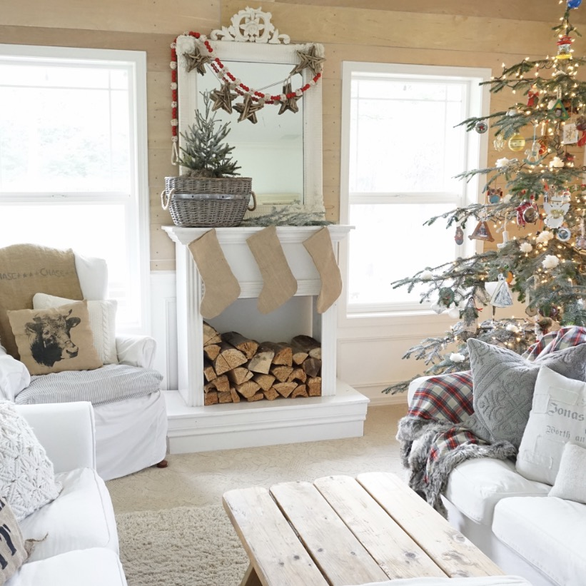 Little Farmstead: BHome For The Holidays {A Farmhouse