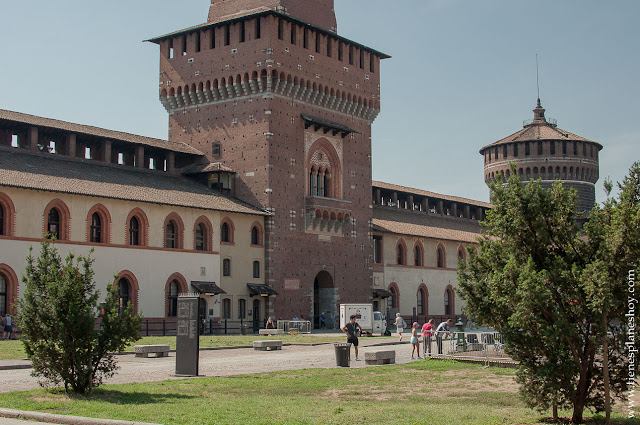 Visitar Castillo Sforzesco Milán viaje Italia