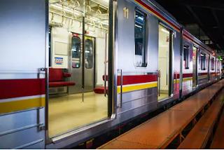 Mau Jadi Pramugari Kereta Api? Penuhi Dulu Syarat Jadi Pramugari Ini